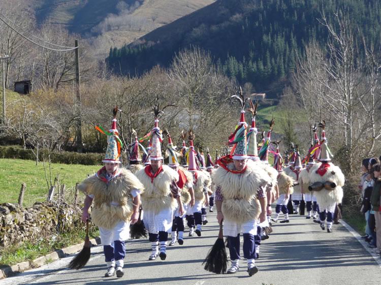 TRAD Zubieta carnaval 41 - Carnaval en Navarra: tiempo de misticismo y tradición