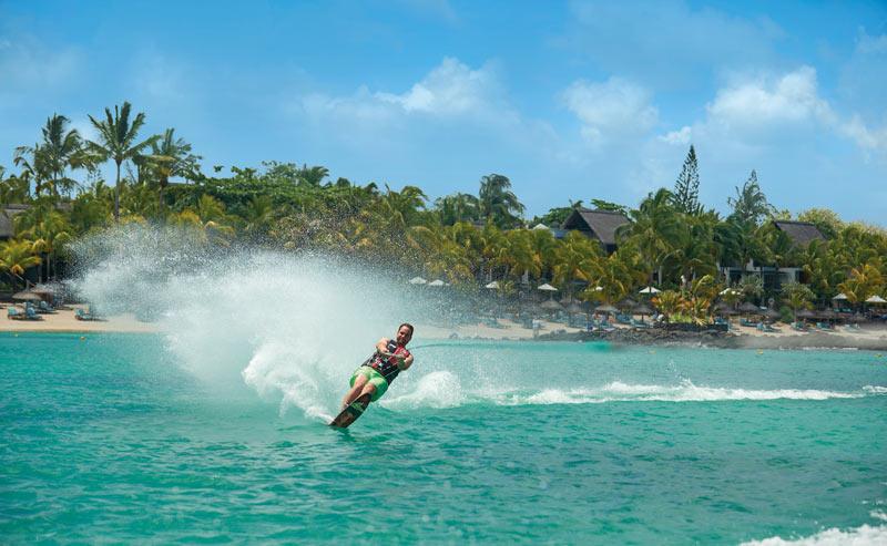 Beachcomber Resorts Hotels esquí acuático Mauricio mar deporte - Mauricio, el paraíso para los amantes de los deportes acuáticos