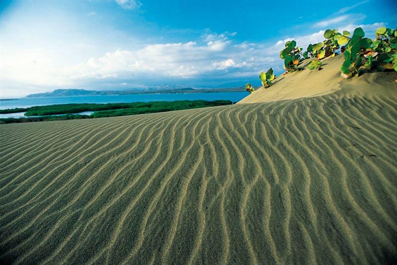 Dunas de Bani Republica Dominica arena - Los enclaves naturales más impresionantes de Centroamérica