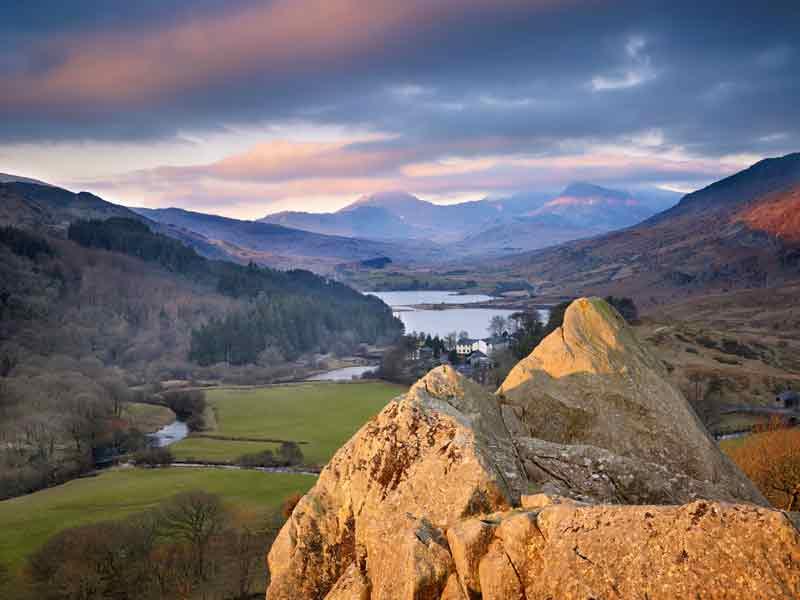 Pinnacles and Capel Curig Snowdonia Gwynedd © Joe Cornish Gales MV0 - Gales, alejarse del ruido con estilo