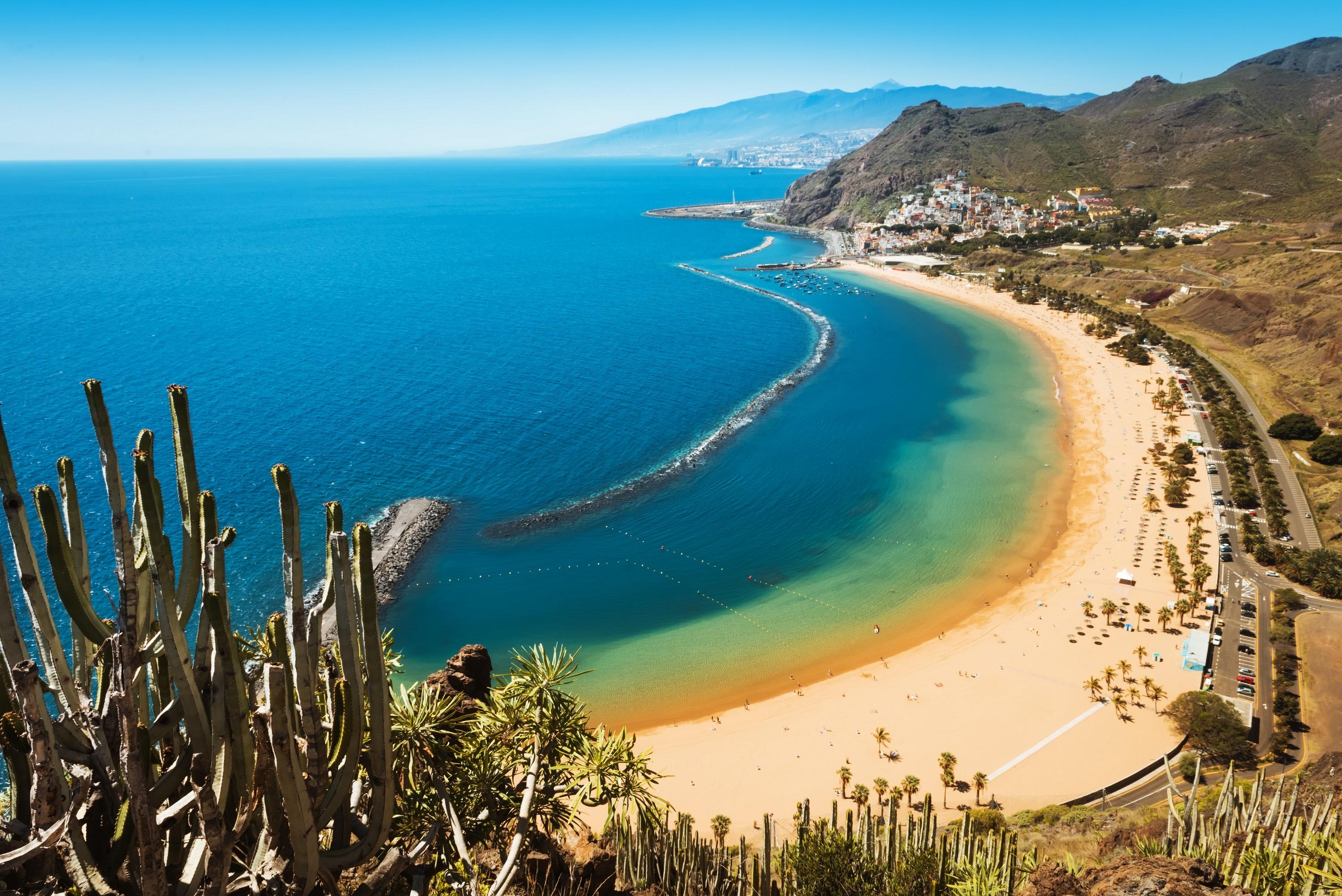 Tenerife - Baleares, Canarias, Cerdeña y Andorra, los destinos de última hora más demandados por los españoles para Semana Santa