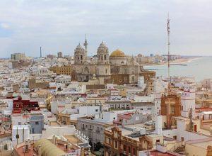 Cadiz España © Pixabay 300x220 - Revista Más Viajes