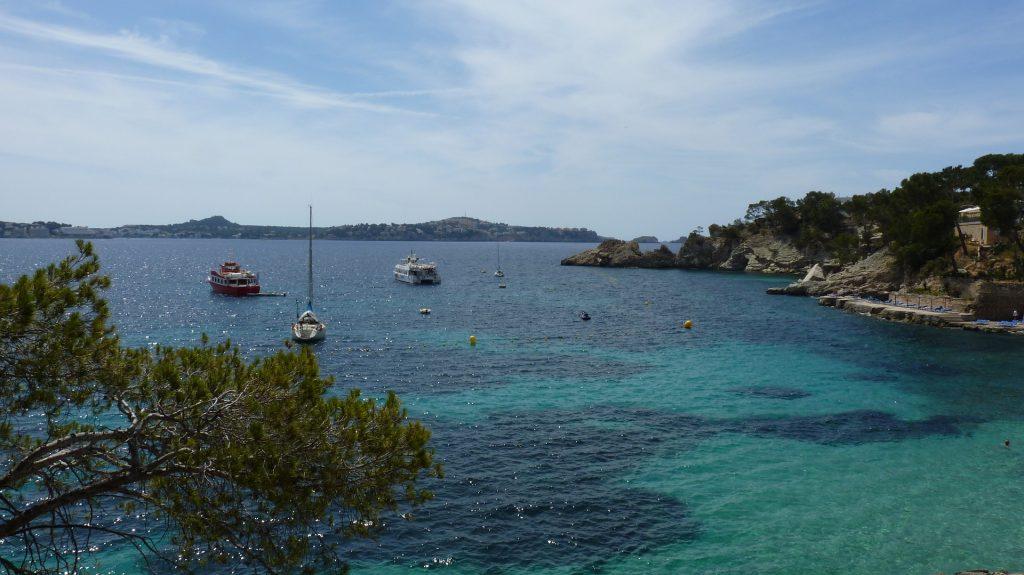 Cala Fornells 1024x575 - Top 5 de playas españolas solo accesibles en barco