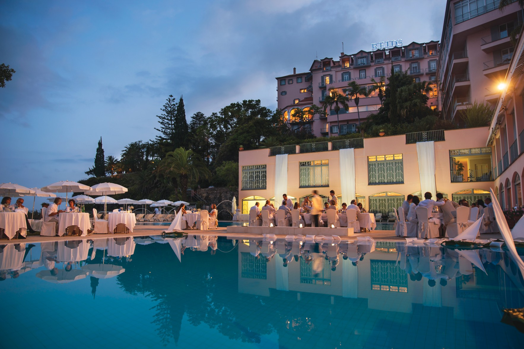 Pool Restaurant White Party - Madeira: lujo y relax