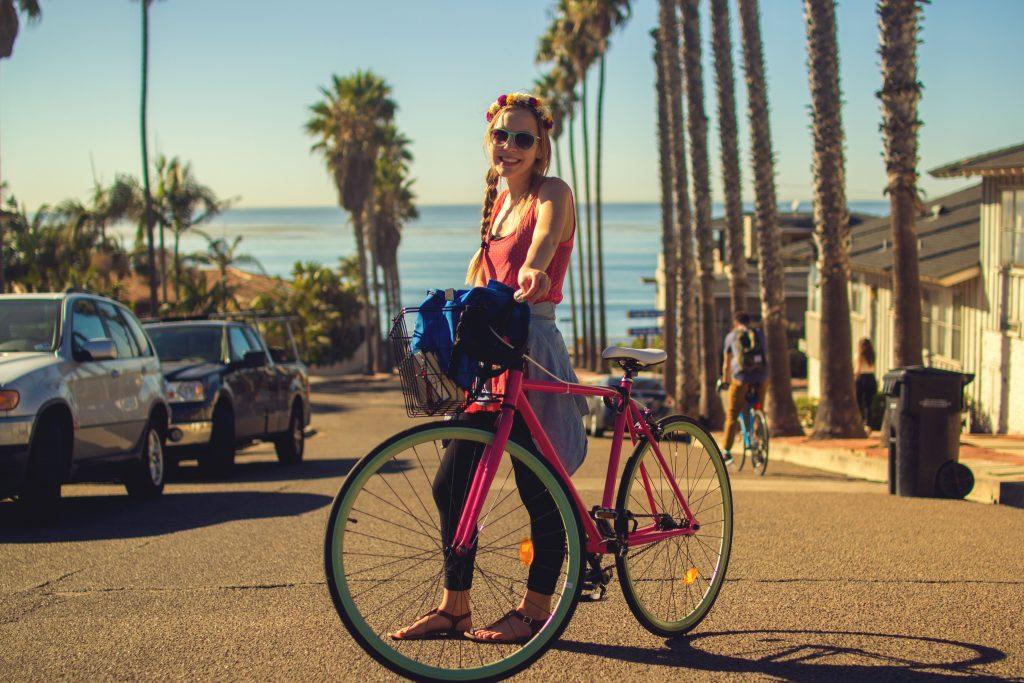 """Bicicletta 4 credit Holidu 1024x683 - Las 10 ciudades más """"Bike-Friendly"""" de España"""