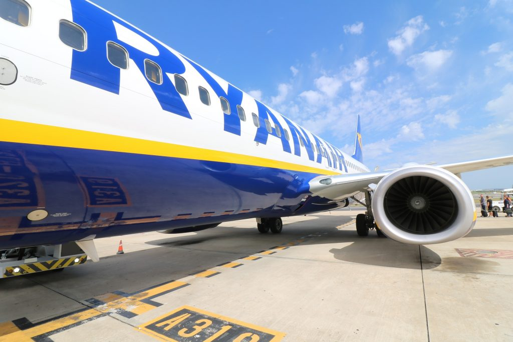 aircraft ryanair 1024x683 - Ryanair debe indemnizar a los pasajeros afectados por sus huelgas de personal