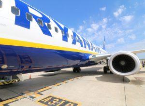 aircraft ryanair 300x220 - Revista Más Viajes