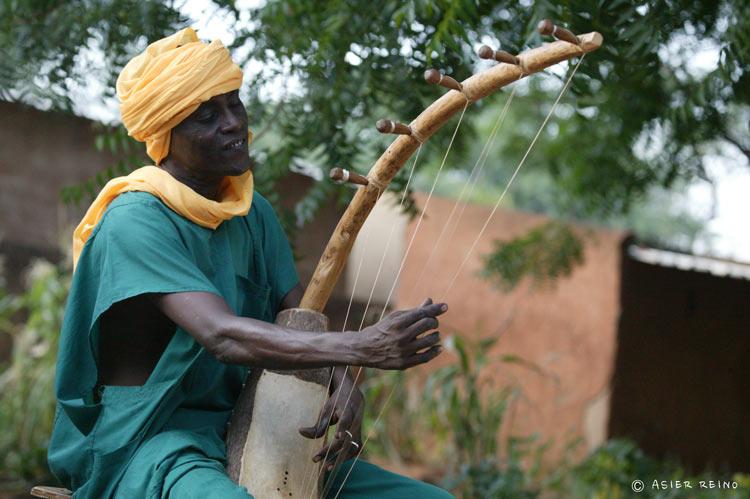 E25W0928 Ruta hacia el Gerewol Niger Tribus del Mundo © Asier Reino - Ruta hacia el Gerewol