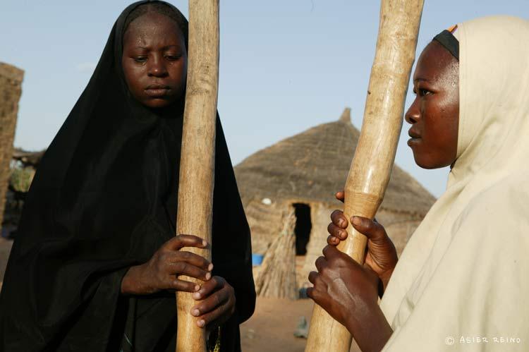 E25W1886 Ruta hacia el Gerewol Niger Tribus del Mundo © Asier Reino - Ruta hacia el Gerewol