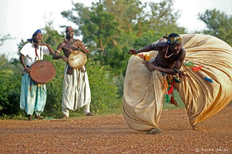 E25W2115 Ruta hacia el Gerewol Niger Tribus del Mundo © Asier Reino - Ruta hacia el Gerewol