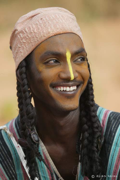 E25W2557 Ruta hacia el Gerewol Niger Tribus del Mundo © Asier Reino - Ruta hacia el Gerewol