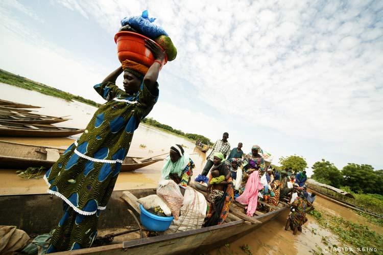 E25W2975 Ruta hacia el Gerewol Niger Tribus del Mundo © Asier Reino - Ruta hacia el Gerewol