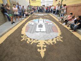 Las Palmas de Gran Canaria La Alfombras procesión EL CARMEN en La Isleta @Tony Hernández 260x195 - Revista Más Viajes