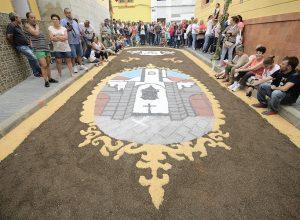Las Palmas de Gran Canaria La Alfombras procesión EL CARMEN en La Isleta @Tony Hernández 300x220 - Revista Más Viajes