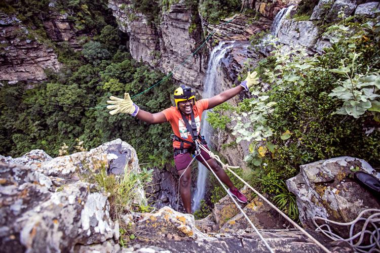 Oribi Gorge Turismo de Sudáfrica puenting salto - Haciendo puenting en Bloukrans Bridge Bungy, el salto más alto del mundo