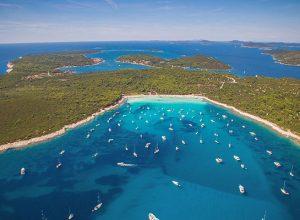 Playa de Sakarun – Dugi Otok – Foto Ivo Biocina – Fuente CNTB 300x220 - Revista Más Viajes