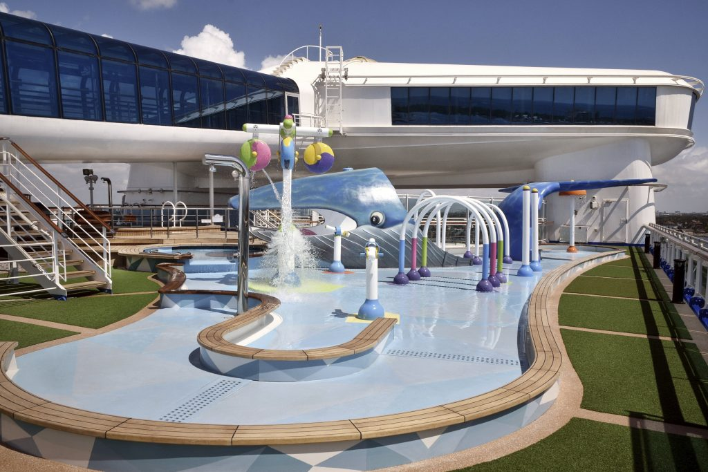 Reef Family Splash Zone 1024x683 - Diversión y relax en la nueva zona familiar del CARIBBEAN PRINCESS