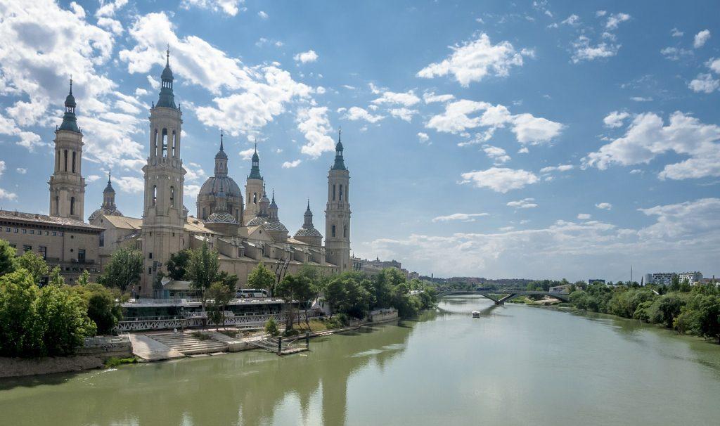 Zaragoza crédito Holidu 1 1024x606 - ¡Al calor buenos parques!