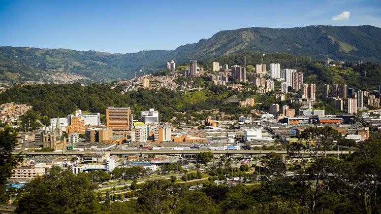 Medellin © ProColombia - De bicicleta por la ganadora del Tour 2019: Colombia