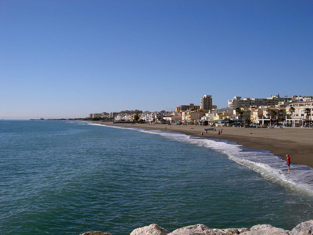 Playa de Torremolinos crédito manuelfloresv via WikimediaCommons 1 1024x768 - Las 10 playas más codiciadas de Instagram este verano