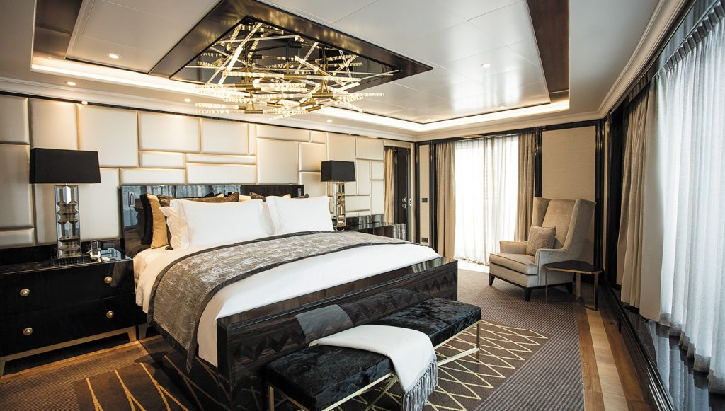 2. Seven Seas Explorer The Regent Suite 2 1024x581 - Las 10 suites de crucero más grandes y lujosas del mundo