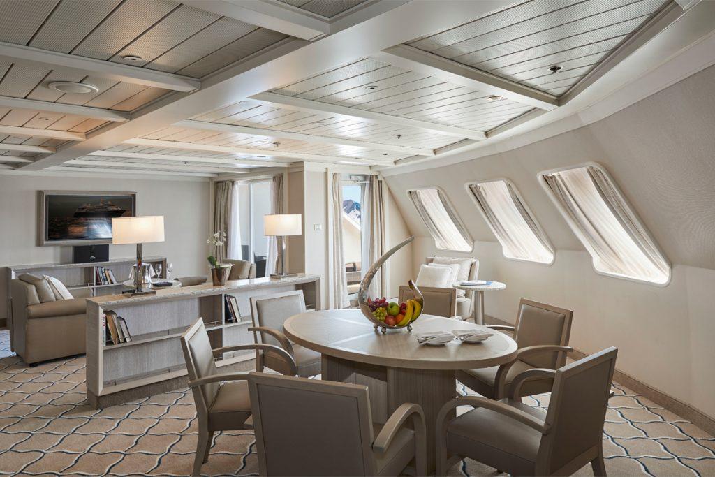 8. Silversea Grand Suite 1 1024x683 - Las 10 suites de crucero más grandes y lujosas del mundo