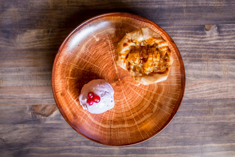 """Saquito de manzana con dulce de leche La Caprichosa - Abre sus puertas el restaurante """"LA CAPRICHOSA"""""""
