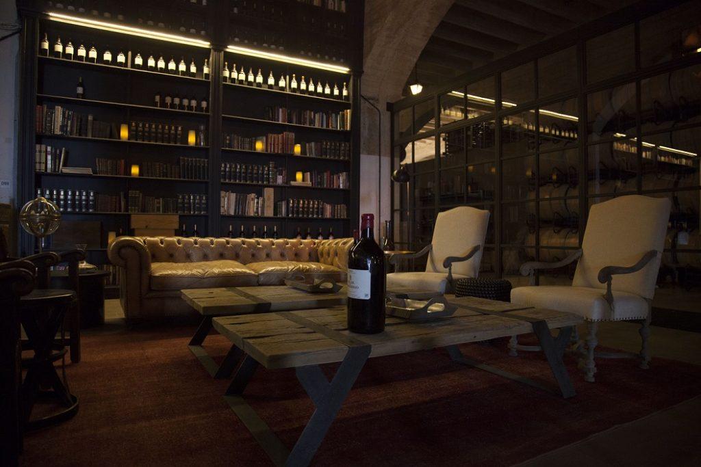 Visita nocturna tienda 1024x683 - La vendimia en Rioja Alavesa, un espectáculo para los sentidos