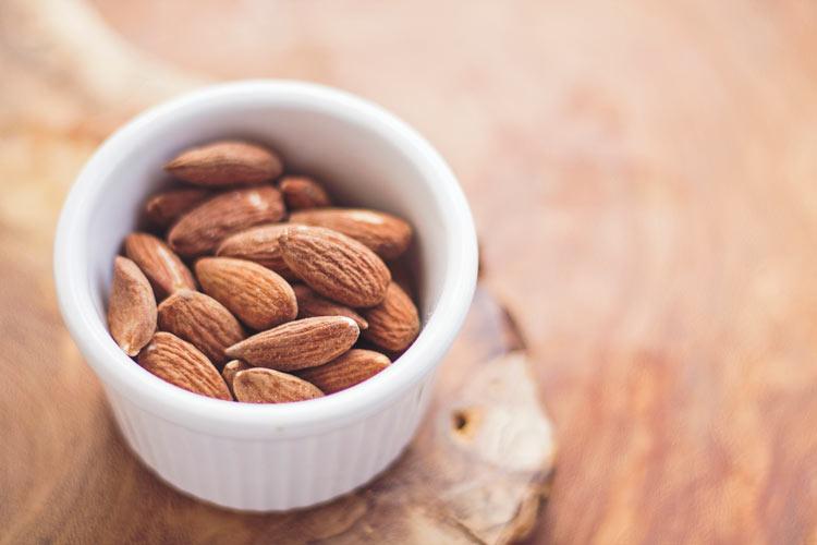 Cambio de Hora Alimentos Almendras - ¿De verdad nuestra salud se ve afectada por el cambio horario?