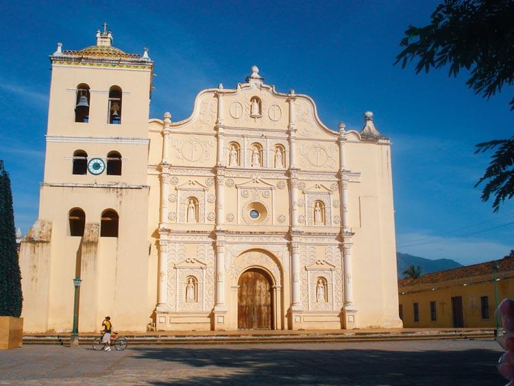 Comayagua Republica de Honduras © Montebrujo1 - Ciudades Coloniales en Centroamérica que no puedes perderte