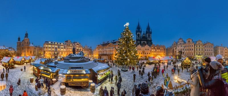FormatFactoryLibor Svacek Plaza de la Ciudad Vieja en Praga - Un universo mágico antes de navidad en la República Checa