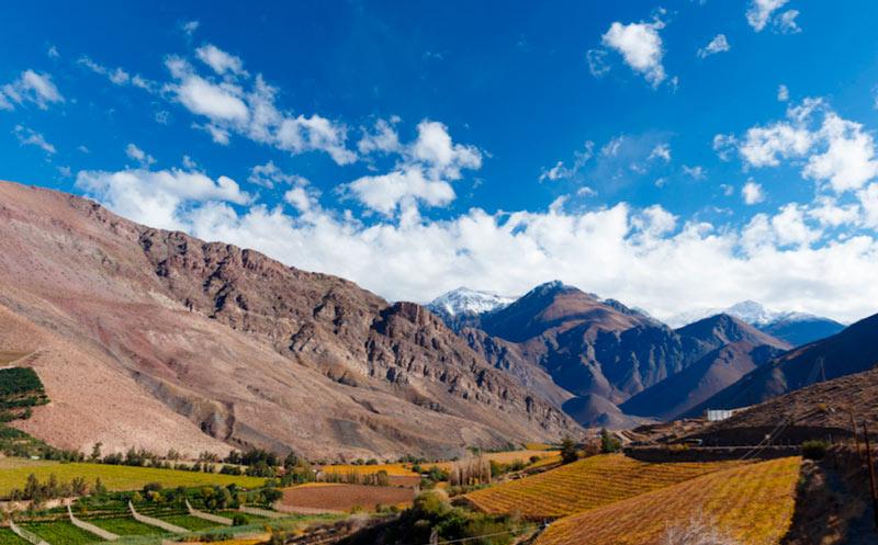 Valle de Elqui. Cortersía Chile Travel. Montaña valle - ¿Te gusta ir de camping? Cinco lugares donde descubrir los paisajes secretos de Chile
