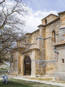 Atienza iglesia Santisima Trinidad 225x300 - La Ruta del Cid Campeador, huellas de mito y realidad