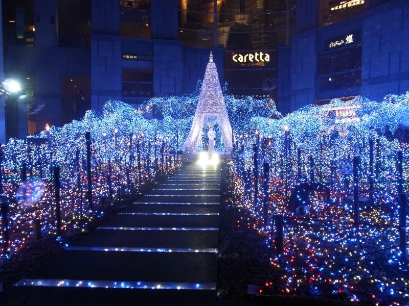 Caretta Shiodome 1 - Tokio inunda sus calles de luz en Navidad y Fin de Año