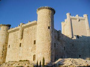 Castillo torija 300x224 - La Ruta del Cid Campeador, huellas de mito y realidad