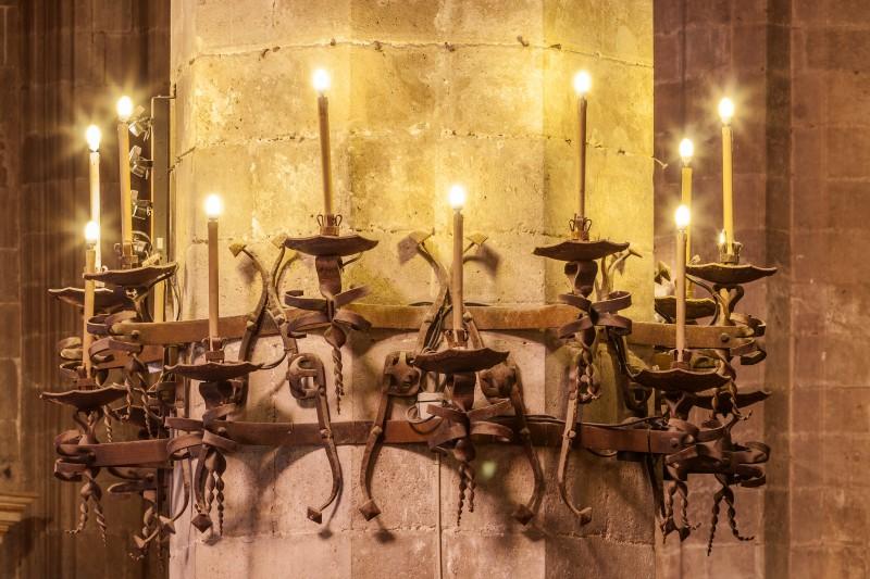 Catedral Mallorca Gaudi iluminacion electrica - La huella y el ingenio de Gaudí en la Catedral de La Seu de Palma