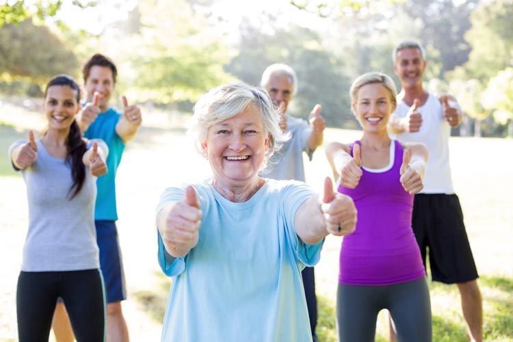Ejercicio modelos fitness pulgares - Cómo reforzar el sistema inmunitario ante resfriados y gripes