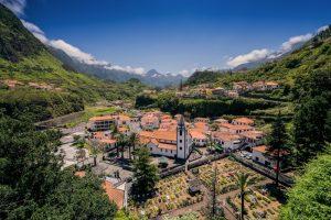 Pueblo São Vicente 300x200 - Madeira. Un jardín colgante.