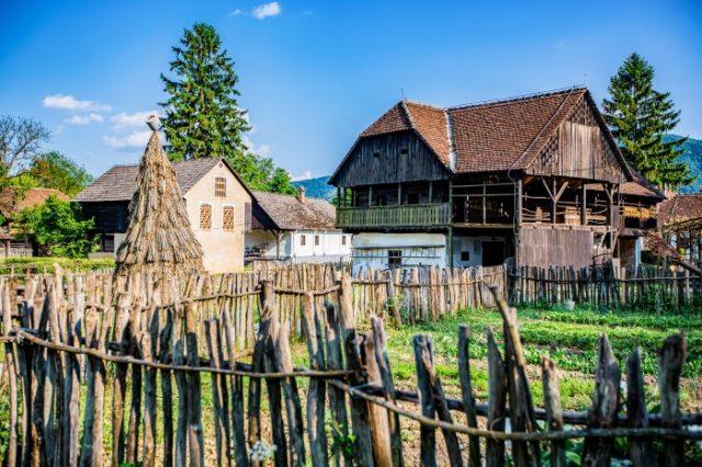 Pueblos Etno