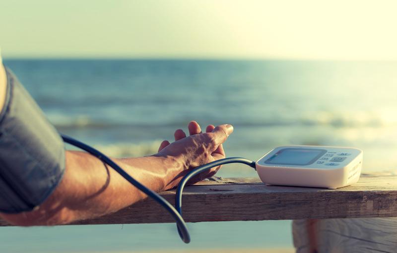 Tensiometro brazo tension barandilla - El triunfo de los pequeños electrodomésticos para el cuidado personal