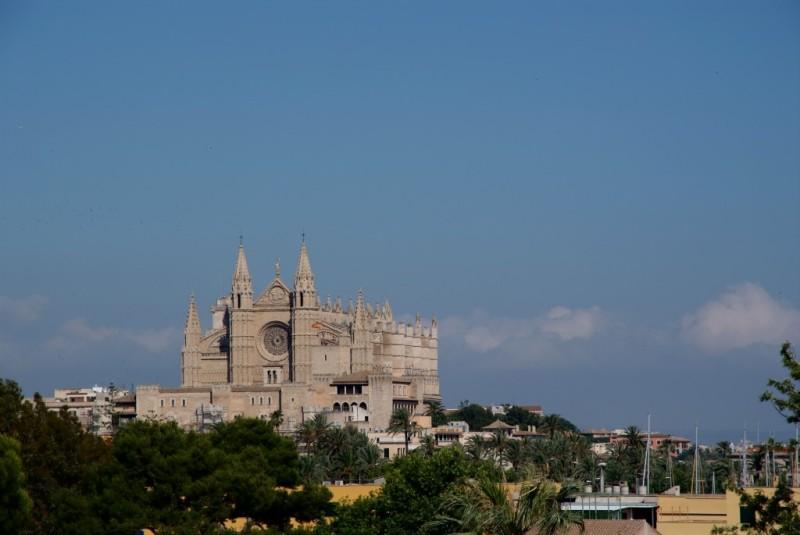 catedral mallorca panoramica - La huella y el ingenio de Gaudí en la Catedral de La Seu de Palma