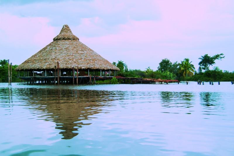 guama laguna ranchon - Ciénaga de Zapata, Cuba pura biodiversidad en el Caribe insular