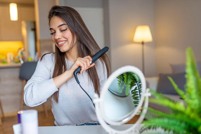 modelo plancha pelo espejo belleza - El triunfo de los pequeños electrodomésticos para el cuidado personal