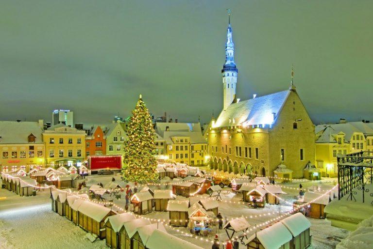 © VisitEstonia mercado navidad 768x514 - Mercados navideños históricos
