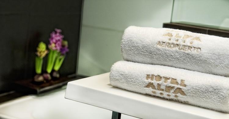 BW Plus Alfa Aeropuerto hotel toallas - 5 falsos mitos sobre los hoteles de aeropuerto