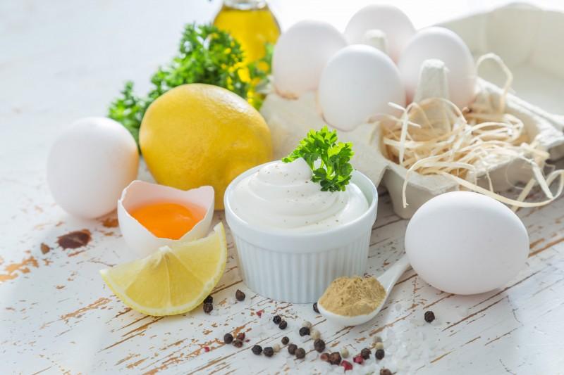 Mahonesa huevos aceite mayonesa - Trucos de cocina para lucirte en Navidad y en cualquier época del año