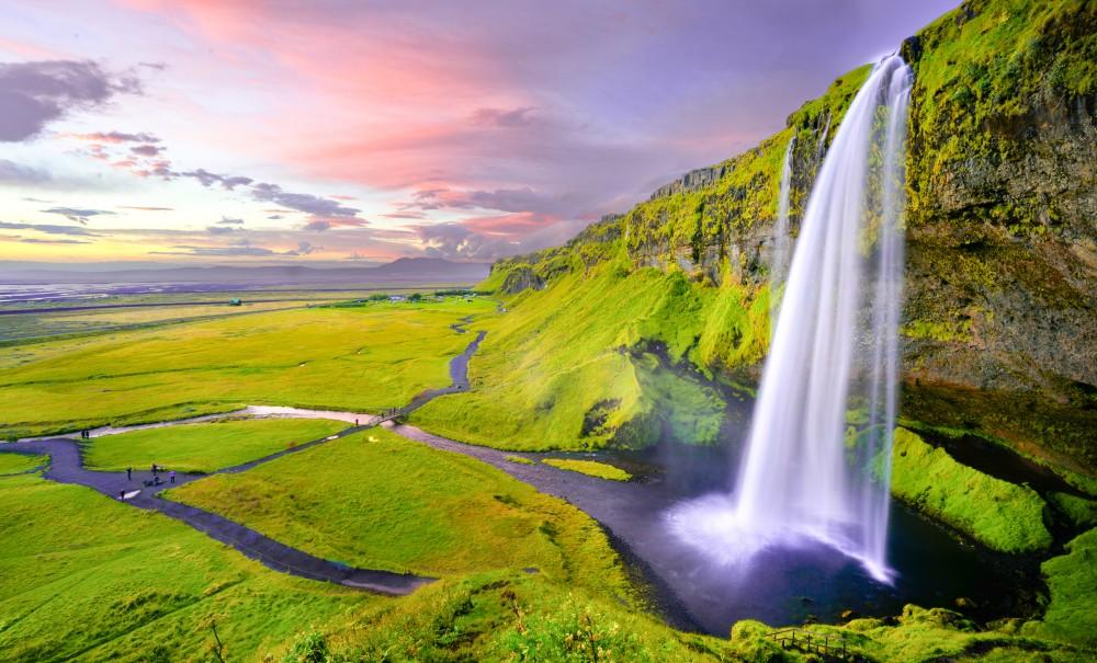 Seljalandsfoss Waterfall Iceland © Robert Lukeman - Cascada Seljalandsfoss, Islandia