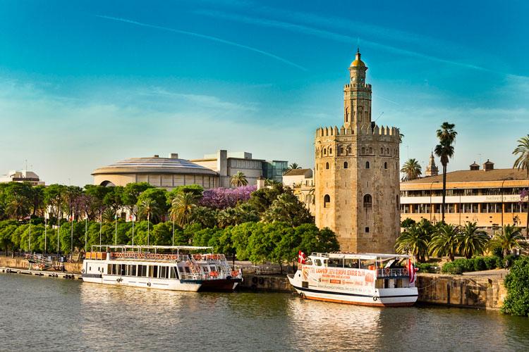 """Sevilla ©Holidu Ciudades Pulmon España - Fotos de: """"Ciudades Pulmón, el Top 10 español"""""""