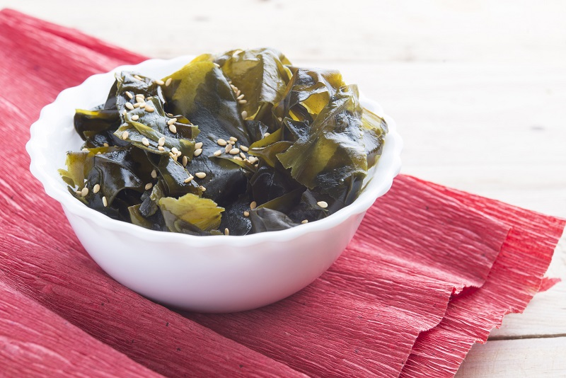 Wakame algas - ¿Son tan beneficiosas las algas como creemos?