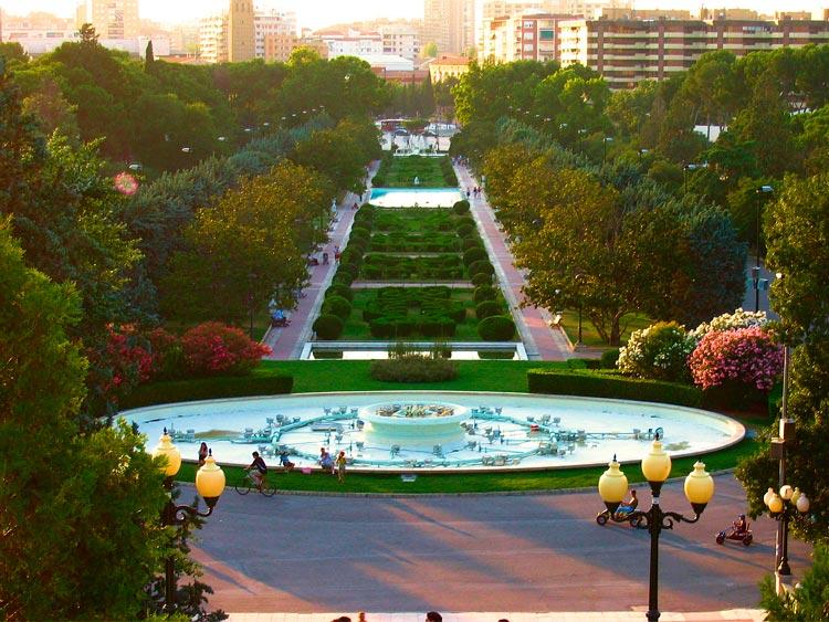 """Zaragoza Parque Grande José Antonio Labordeta ©WikimediaCommons Ciudades Pulmon España - Fotos de: """"Ciudades Pulmón, el Top 10 español"""""""